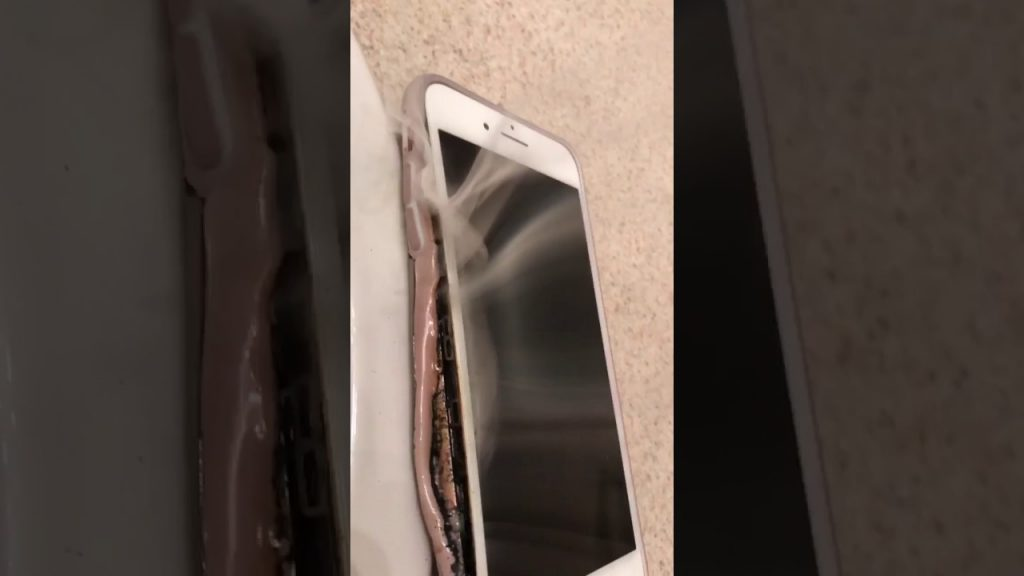 iPhone 7 Plus Explode and Smoking