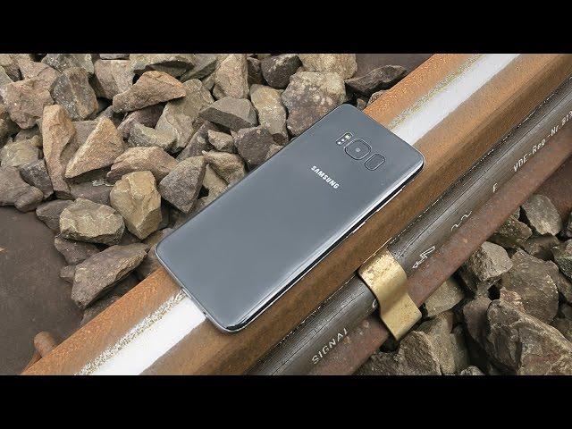 Samsung S8 vs Train
