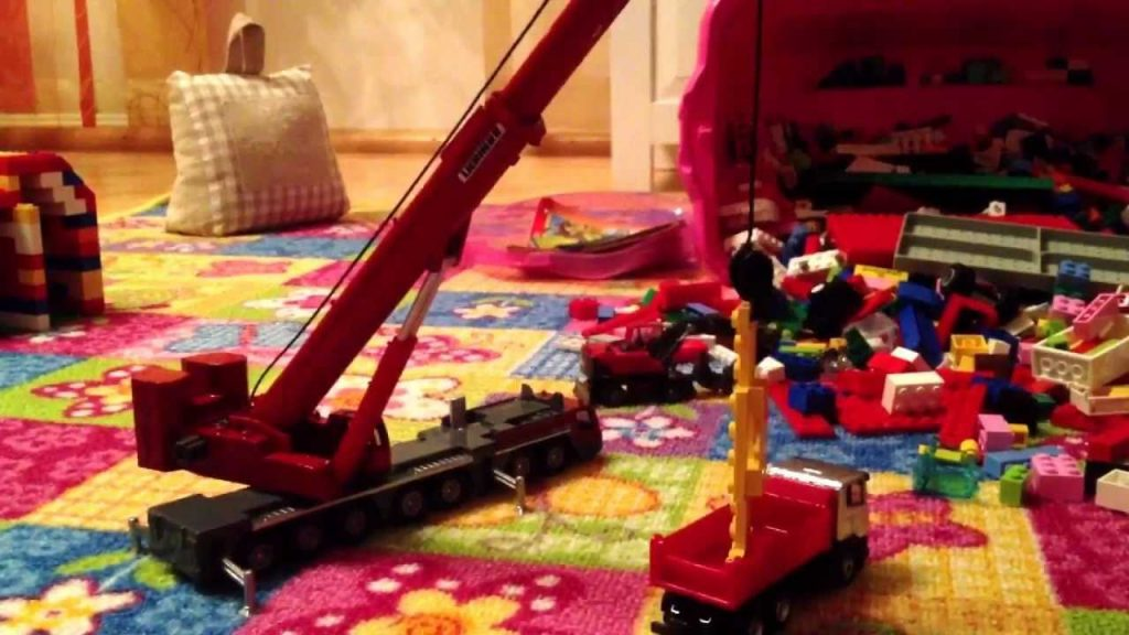 Stop Motion – Big Machines and a Big Explosion in HD iPhone 4S