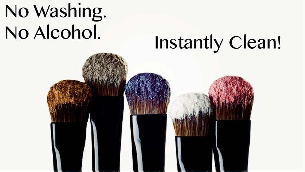 HOW TO INSTANTLY CLEAN YOUR MAKEUP BRUSHES WITHOUT WASHING / SPRAY OR ALCOHOL!