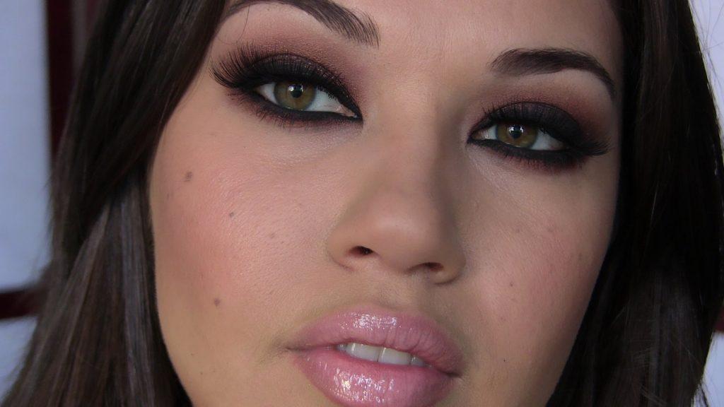 Kim Kardashian Makeup Tutorial | Eman