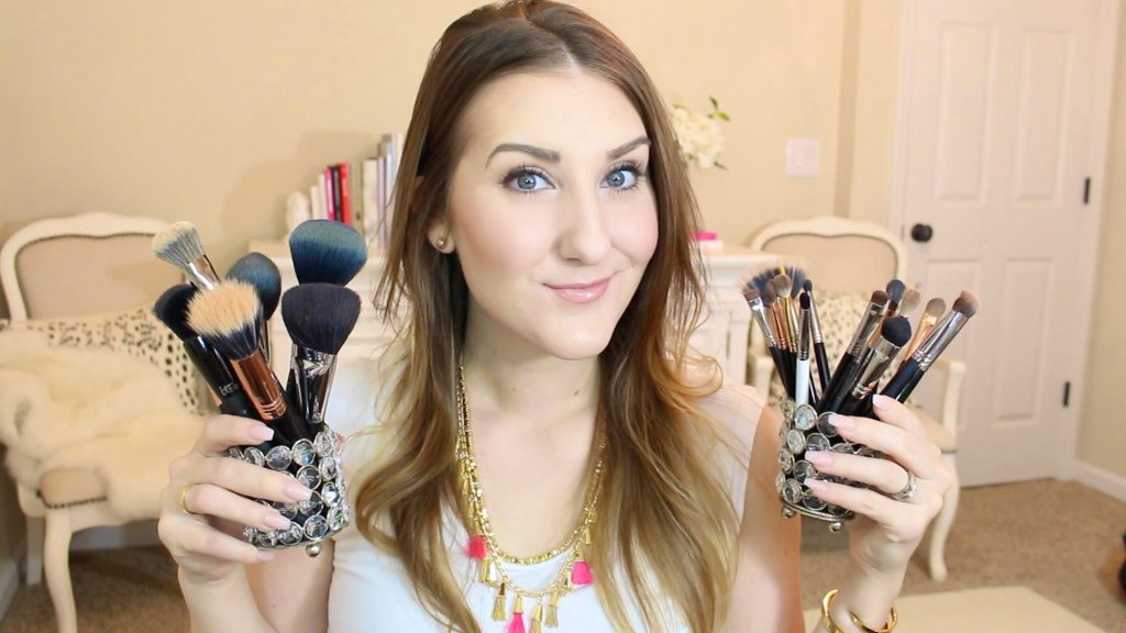 My ESSENTIAL Makeup Brushes & Tools