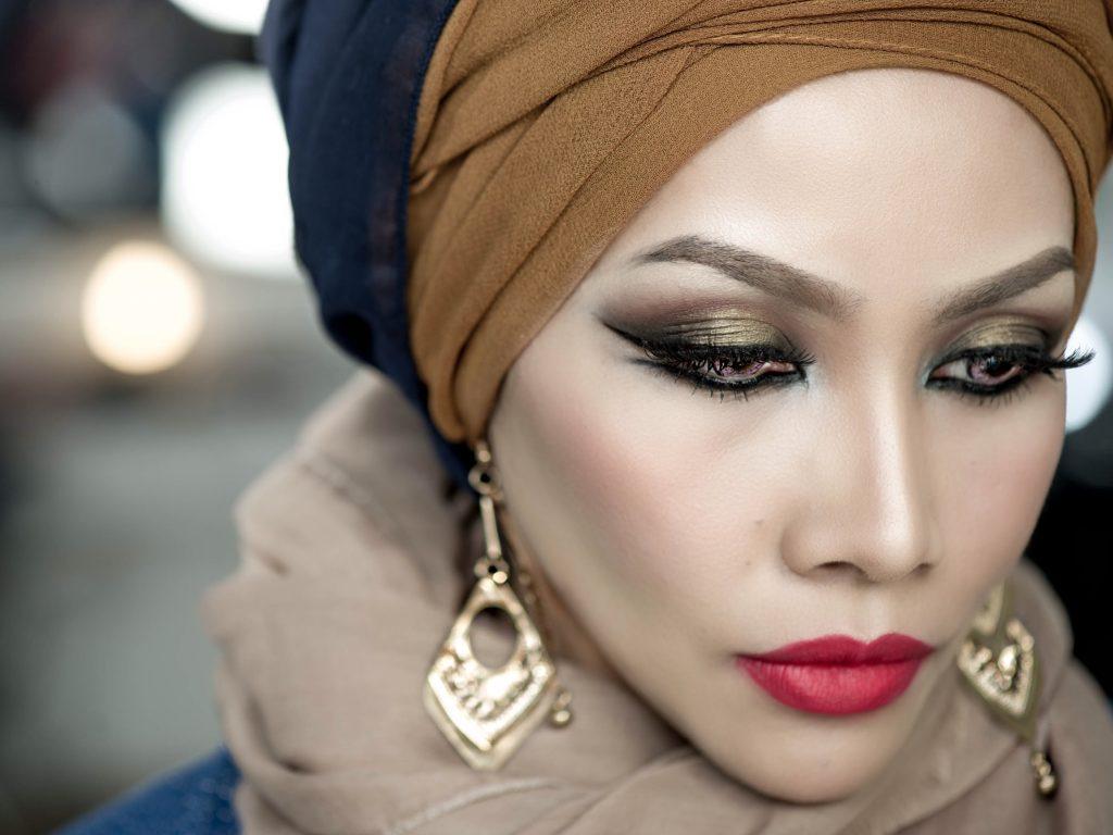 DOUBLE WING EYELINER & MATTE LIP – Arabic Makeup inspired