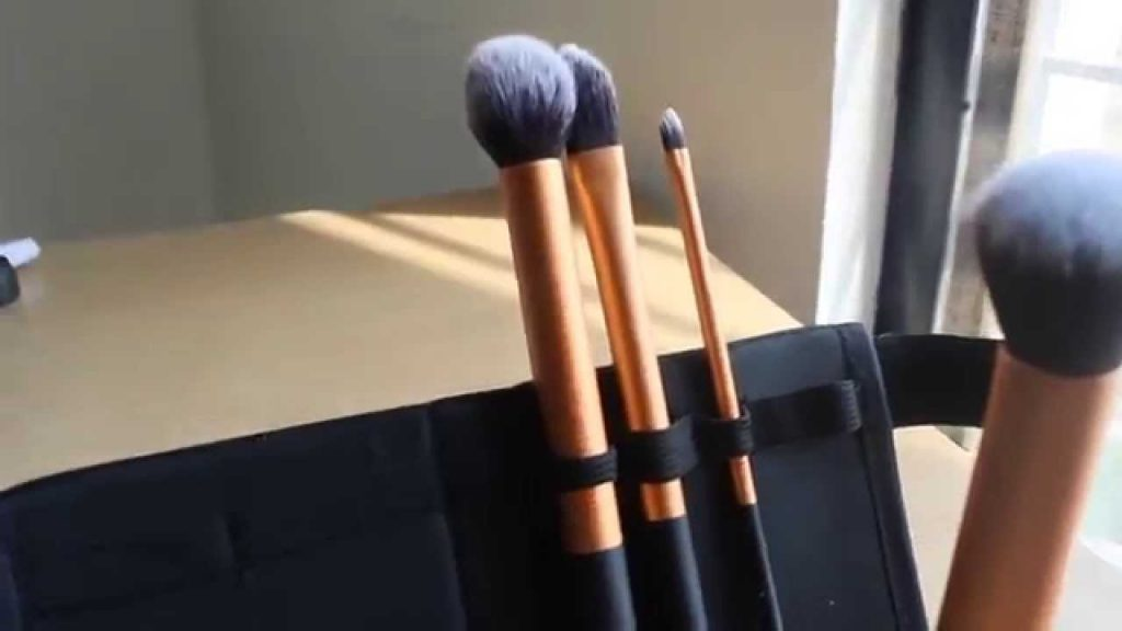 Real Techniques Core Collection Brush Set Review |Must Have Makeup Brushes