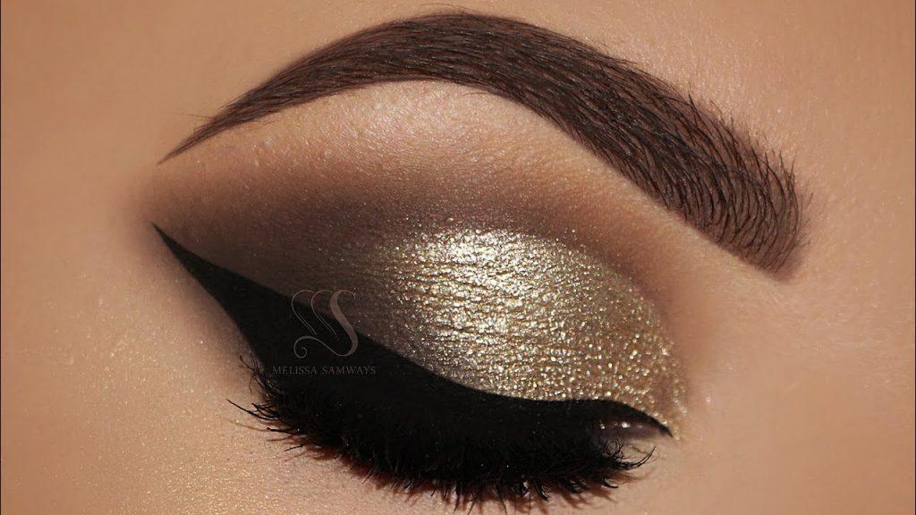 Dramatic Cut Crease & Red Lips MakeUp Tutorial | Melissa Samways