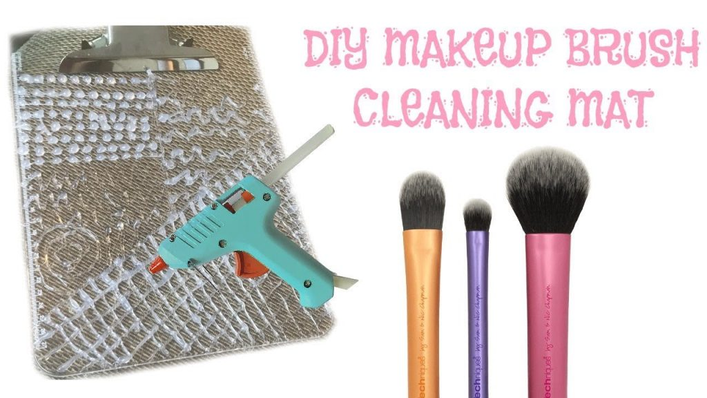 DIY Makeup Brush Cleaning Mat + How to Clean Makeup Brushes