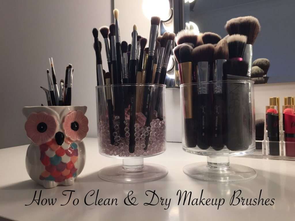 How To Clean & Dry Makeup Brushes