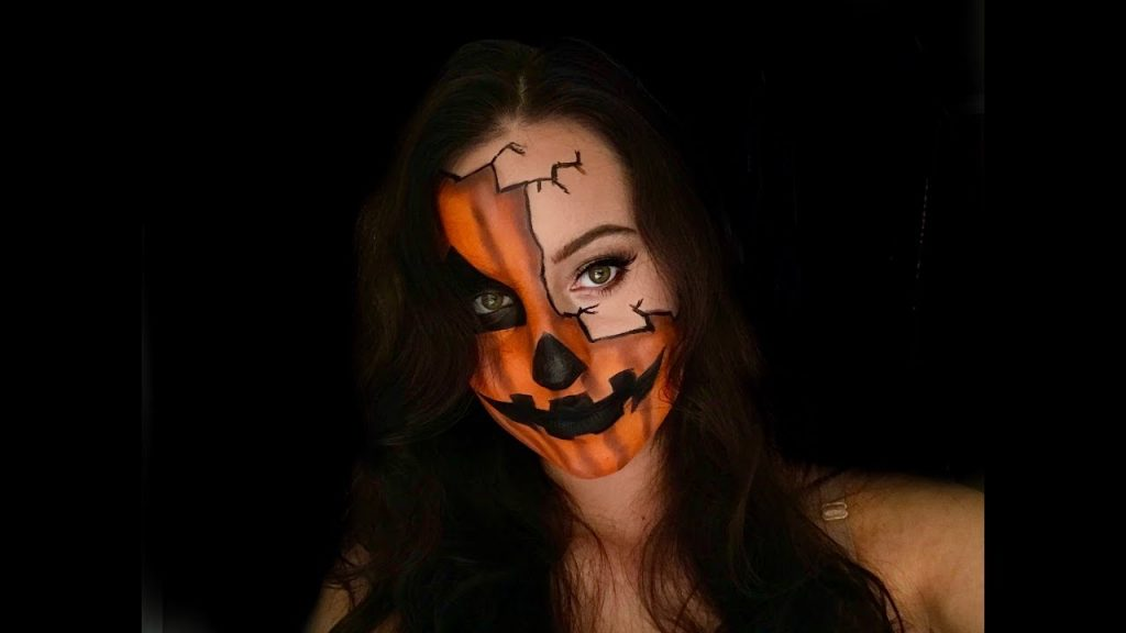 HALF PUMPKIN FACE HALLOWEEN MAKEUP