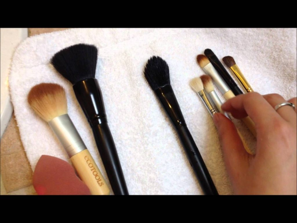 Cleaning Your Makeup Brushes With 99% Alcohol