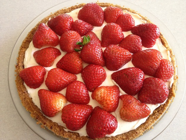 This is a pretty easy pie to do with the kids and it also looks pretty ...
