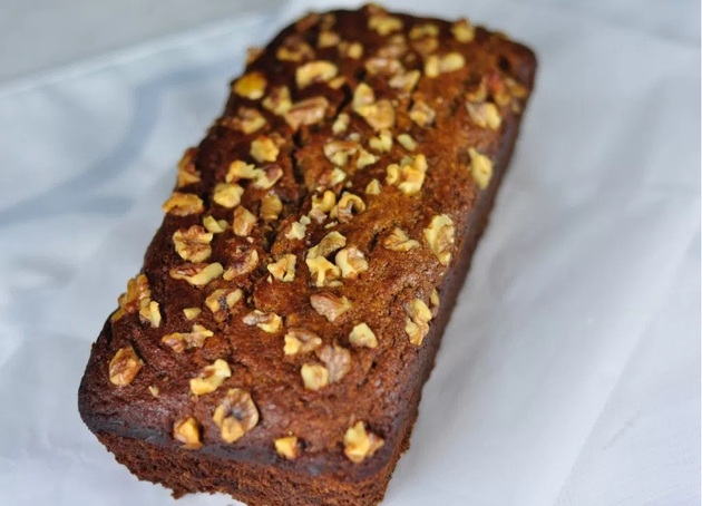EGGLESS DATE NUT BREAD WITH OATS AND WHOLE WHEAT FLOUR by antonetroajer