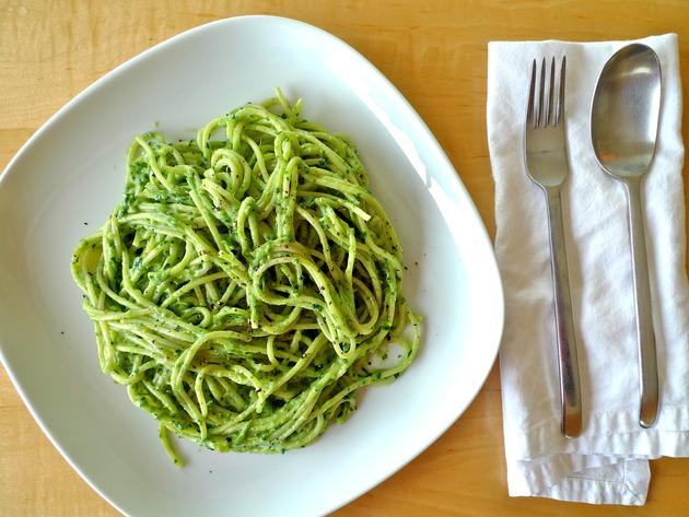 creamy avocado pasta by joanie