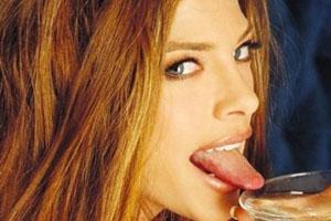 Shae Marks Tongue