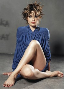 mariska-hargitay-feet-article