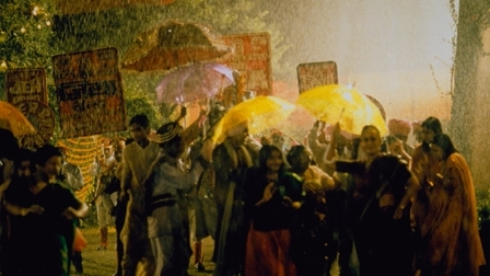 Film_489w_monsoonwedding_video_still