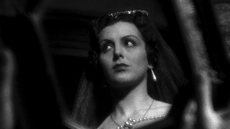 The Pearls of the Crown Film Still
