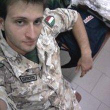 Foto uniforme con berretto 3 0