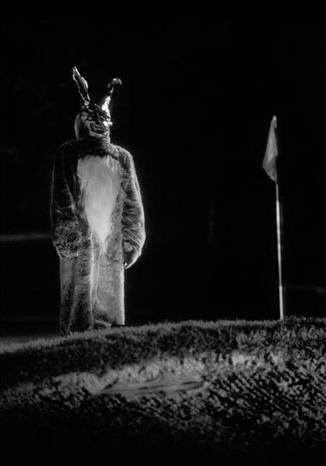 L inquietante coniglio frank appare a donnie darko 5117