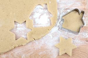 Einfache Weihnachtsplätzchen selber backen