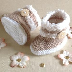 Fur Trimmed Baby Boots Hand Knitting Pattern