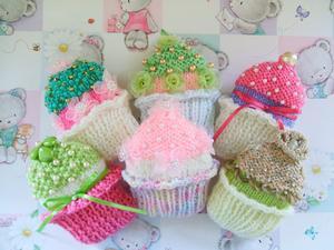 Cupcake Brooches