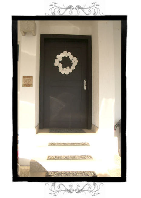 DIY Modern flat white wreath via Design*Sponge