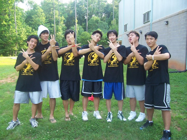 Yellow Kites Hoops Champions T-Shirt Photo