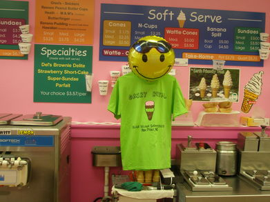 Happy Face Working @ Dairy Royal Serving Up Lce Cream T-Shirt Photo