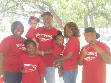 The House Family  T-Shirt Photo