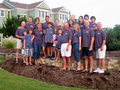 Oyr,Big Happy Family T-Shirt Photo