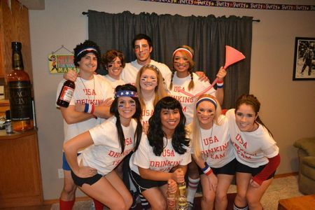 Halloween   Usa Drinking Team T-Shirt Photo