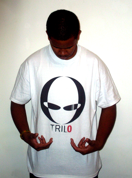 Trilo Wear T-Shirt Photo