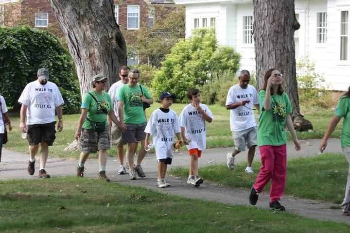 Walk To Defeat Als T-Shirt Photo