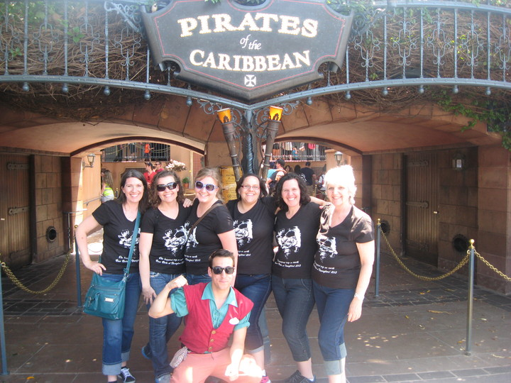 Lady Pirates T-Shirt Photo