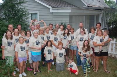 Cousin Reunion In Mt. Vernon, Ohio T-Shirt Photo