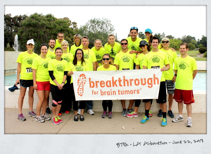 Los Angeles Breakthrough For Brain Tumors 5k T-Shirt Photo