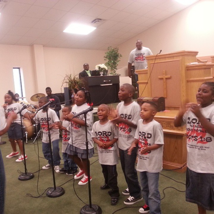 The Little Apostolic Kids Giving God The Praise T-Shirt Photo