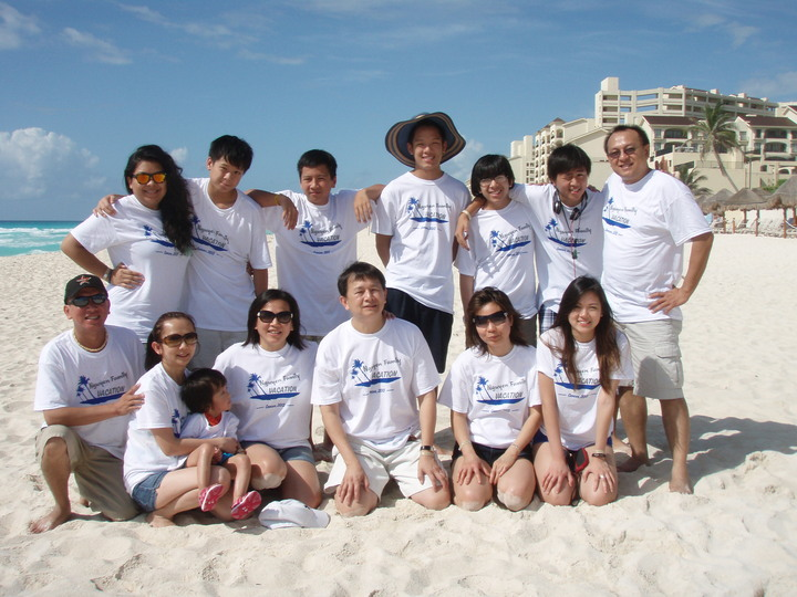 Nguyen Family Cancun 2013 T-Shirt Photo