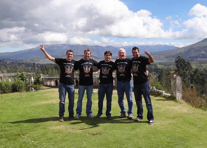 Hit Throughout Ecuador!! T-Shirt Photo