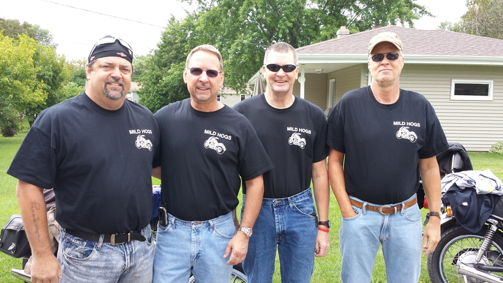 4 Of The 7 Mild Hogs. T-Shirt Photo