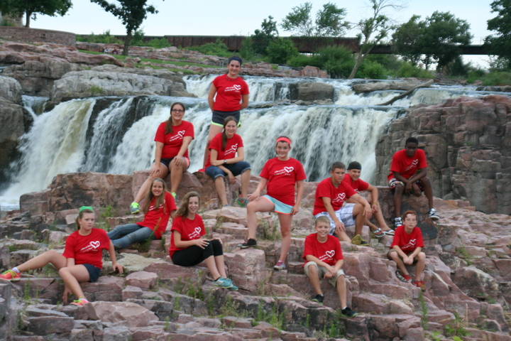 Middle School Service Trip At Falls Park, Sioux Falls, Sd T-Shirt Photo