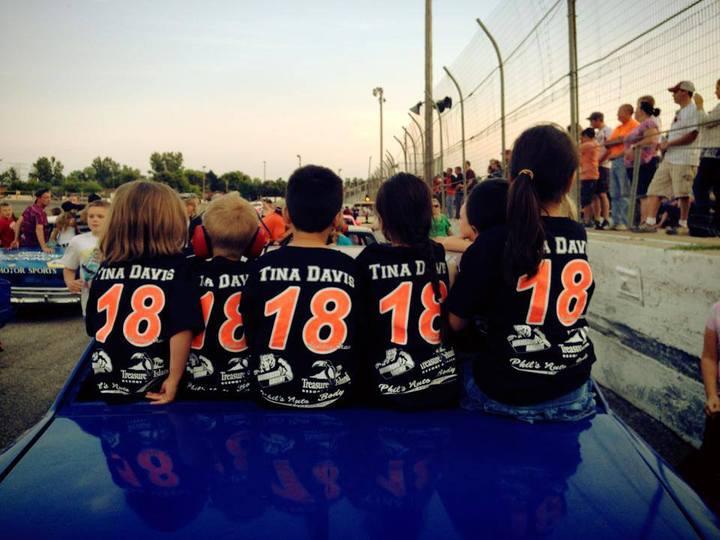 #18 Fans On Kids Rides Night!  T-Shirt Photo