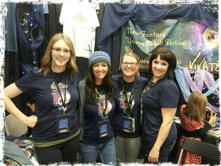 Salt Lake Comic Con Crew T-Shirt Photo