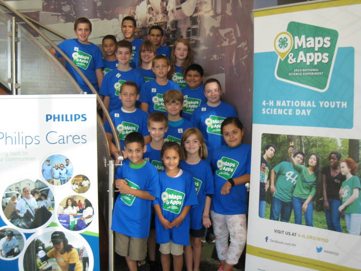 4 H Maps And Apps Workshop T-Shirt Photo