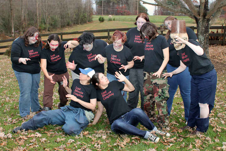 Last Minute Cosplay Zombies T-Shirt Photo