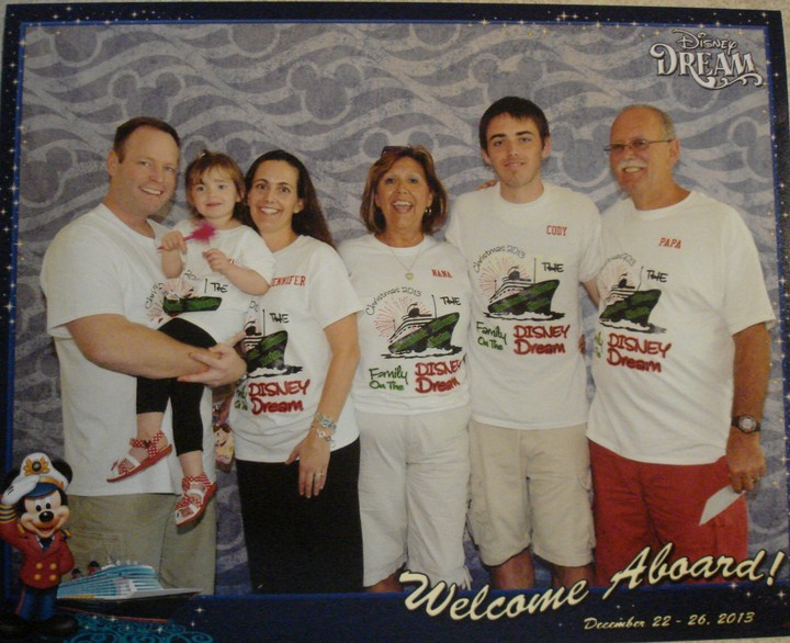 Family Christmas Cruise T-Shirt Photo