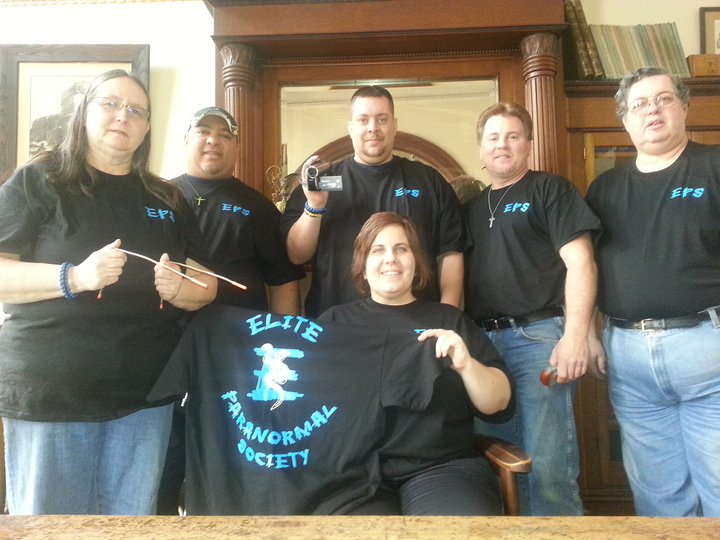 Paranormal Team T-Shirt Photo