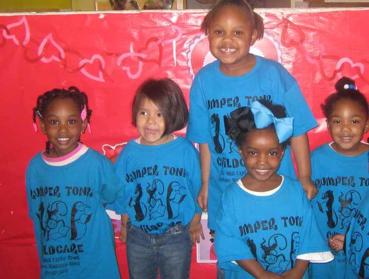 Girls Know Best! T-Shirt Photo