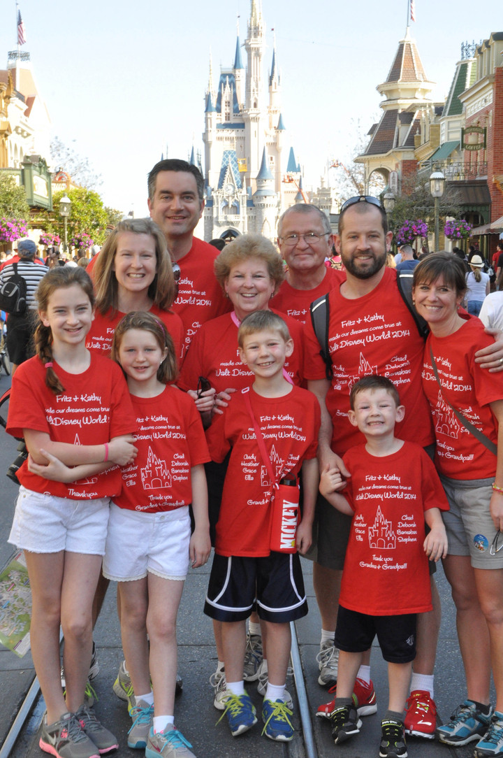 Walt Disney World   Just The 10 Of Us! T-Shirt Photo