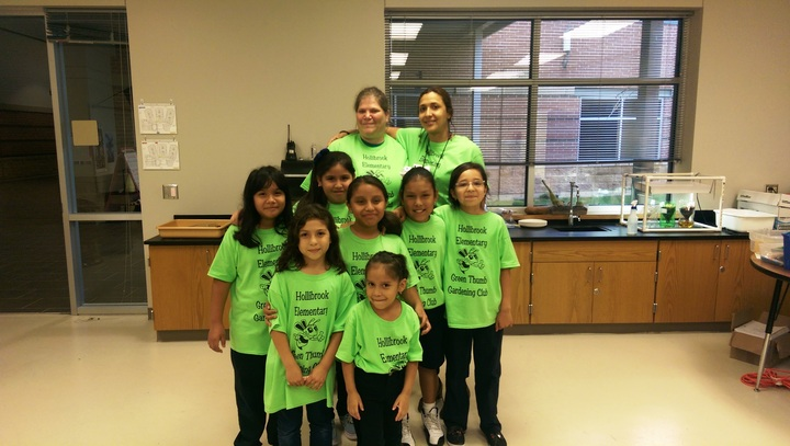 Hollibrook Elementary Green Thumb Gardening Club T-Shirt Photo